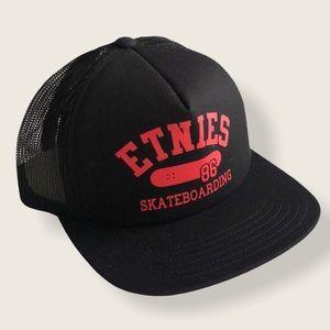 ETNIES 86 SKATEBOARDING